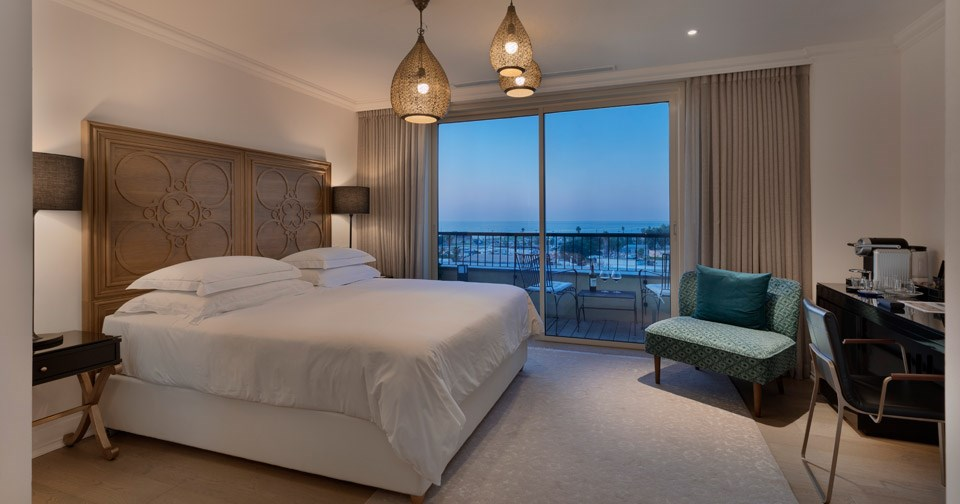 Premium Room with Sea Facing Balcony